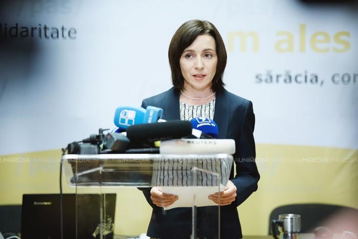 """Maia Sandu pe facebook: """"Mă întreb de ce pentru Igor Dodon decorarea lui Plahotniuc, împotriva căruia el ar fi promis să lupte, nu reprezintă o problemă"""""""