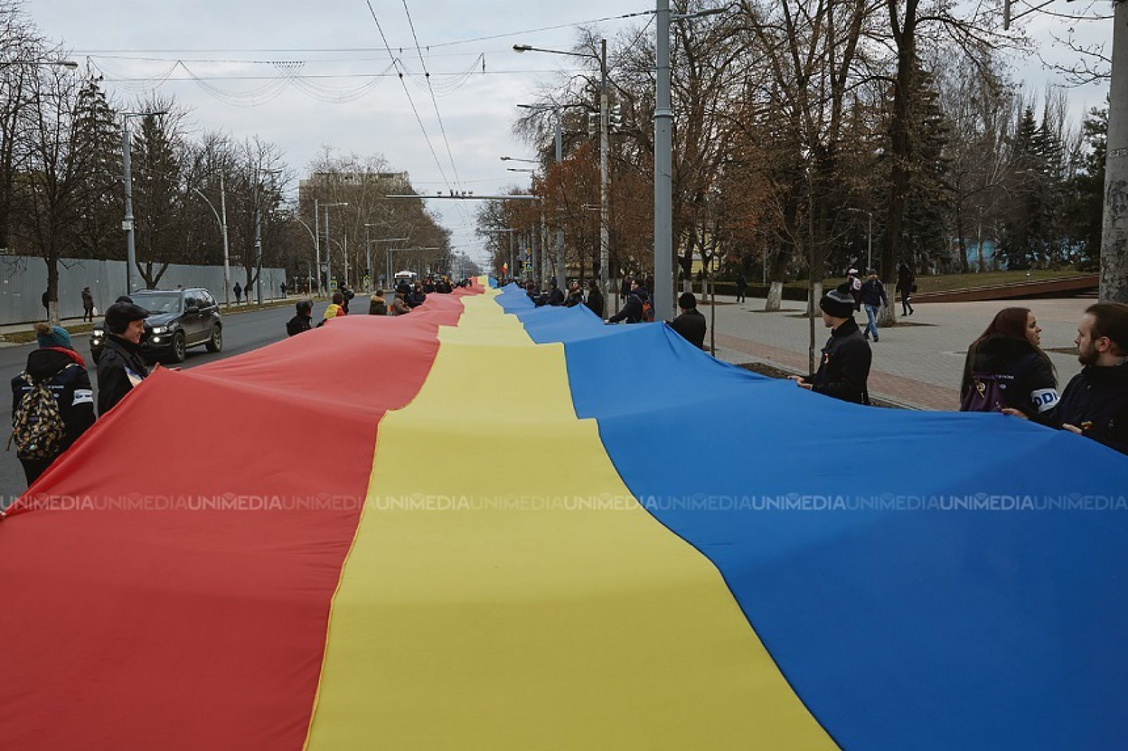 Manifestaţie dedicată împlinirii a 100 de ani de la unirea Basarabiei cu România astăzi la Chişinău; Băsescu, Orban, Barna şi-au anunţat participarea