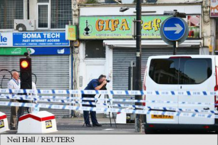 Marea Britanie: Un mort și zece răniți după ce un vehicul a lovit pietoni în nord-estul Londrei