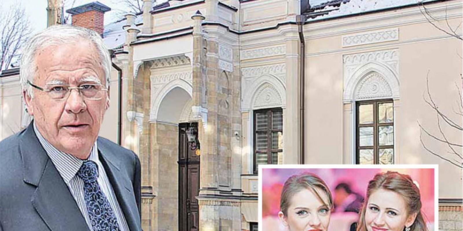 """Monumentul de arhitectură de însemnătate naţională """"Conacul Inglezi"""" din centrul Chişinăului a ajuns, oficial, în gestiunea fiicelor democratului Diacov"""