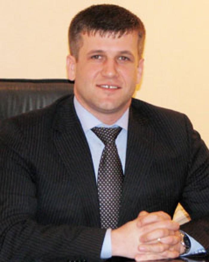 (foto) Nașul fiicei deputatului Valeriu Guma, noul șef la Transporturi