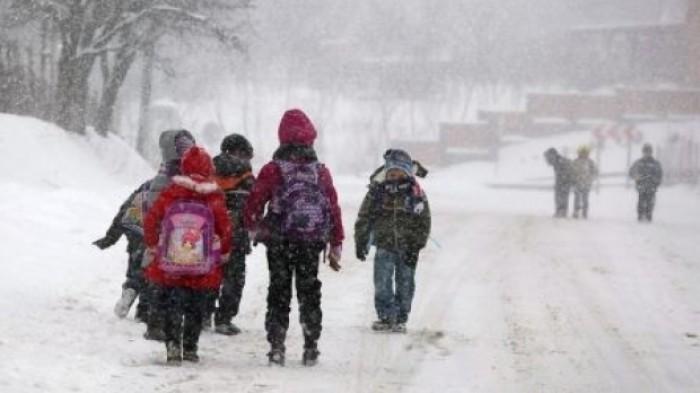 Nouă școli și 25 de grădinițe din țară au fost închise din cauza condițiilor meteo
