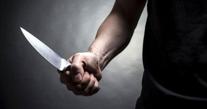 Nu a mai putut rezista: Un bărbat a murit după ce s-a înjunghiat în picior din cauza durerii insuportabile