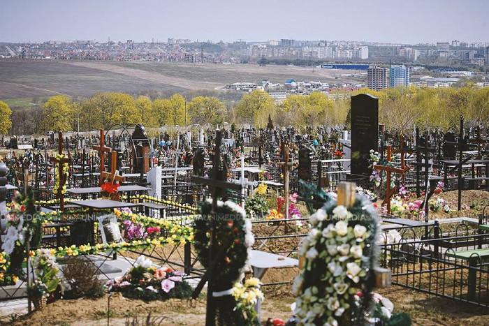 Nu mai sunt locuri în Cimitirul Sf. Lazăr. Acesta ar putea să se extindă până în apropierea localității Grătiești