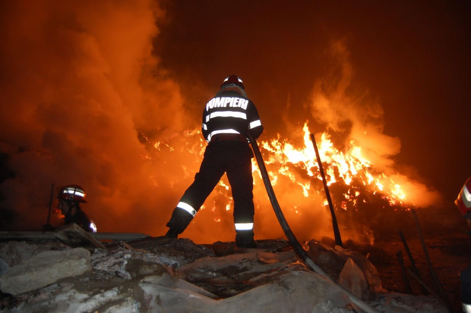 O femeie în vârstă de 83 de ani decedat în urma unui incendiu în Ungheni