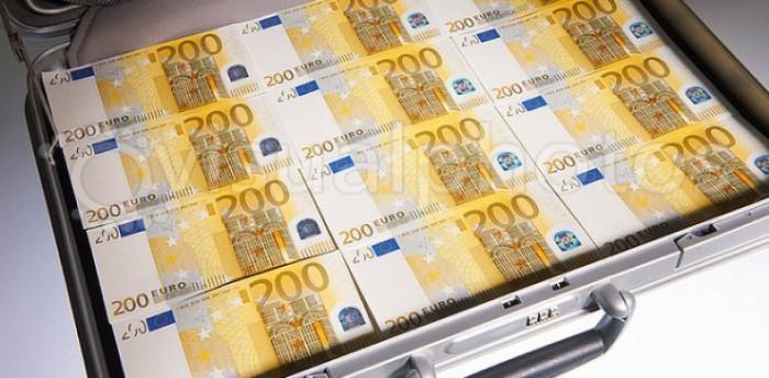O moldoveancă căsătorită cu un italian de 80 de ani, s-a îmbogățit cu 200 000 de euro de la acesta, după care l-a părăsit