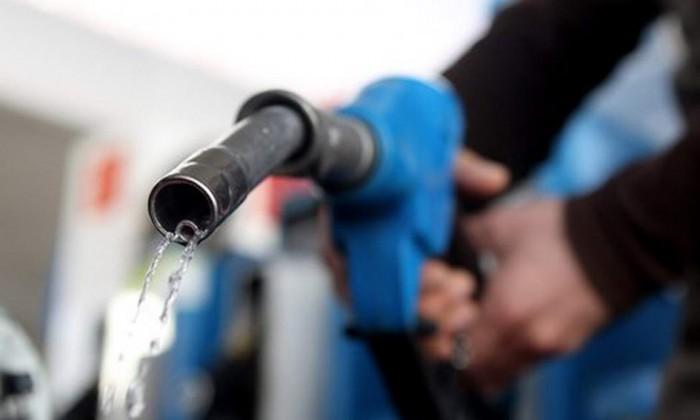 O nouă scumpire a benzinei şi motorinei la început de an. Iată cât costă carburanţii