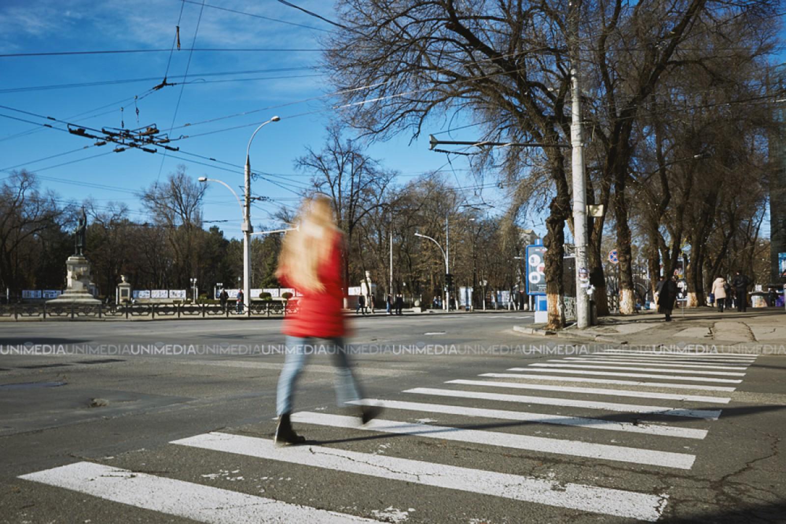 O tănâră din Ceadîr-Lunga, lovită în plină viteză chiar pe trecerea de pietoni. A ajuns la spital