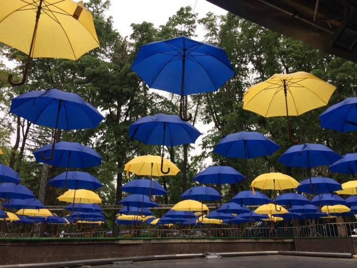 (video) Orășelul European, gata să înfrunte ploile prognozate. Cum este sărbătorită la Chișinău Ziua Europei