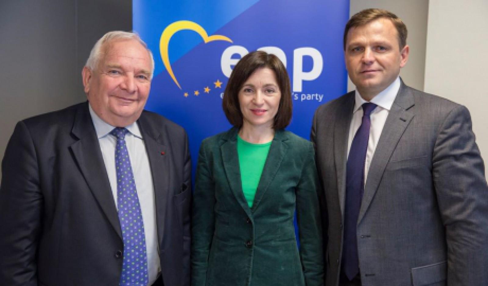 PAS și PPDA au devenit membri cu drepturi depline în Partidul Popular European