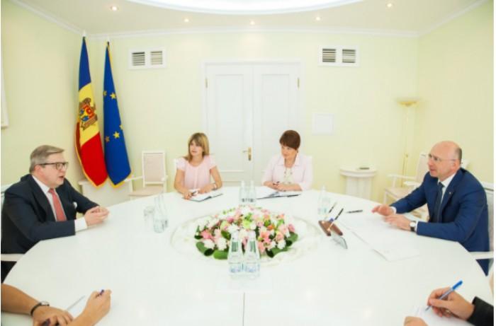 Pavel Filip s-a întâlnit cu Pirkka Tapiola: Despre ce au discutat oficialii
