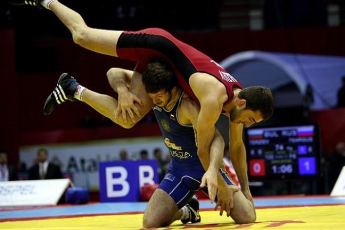 Pentru prima dată, Republica Moldova a obţinut 4 medalii la Campionatul European de lupte