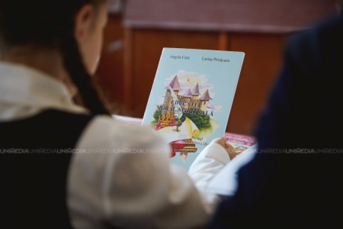 Petro Poroșenko a promulgat legea care interzice în Ucraina învățământul în limba română