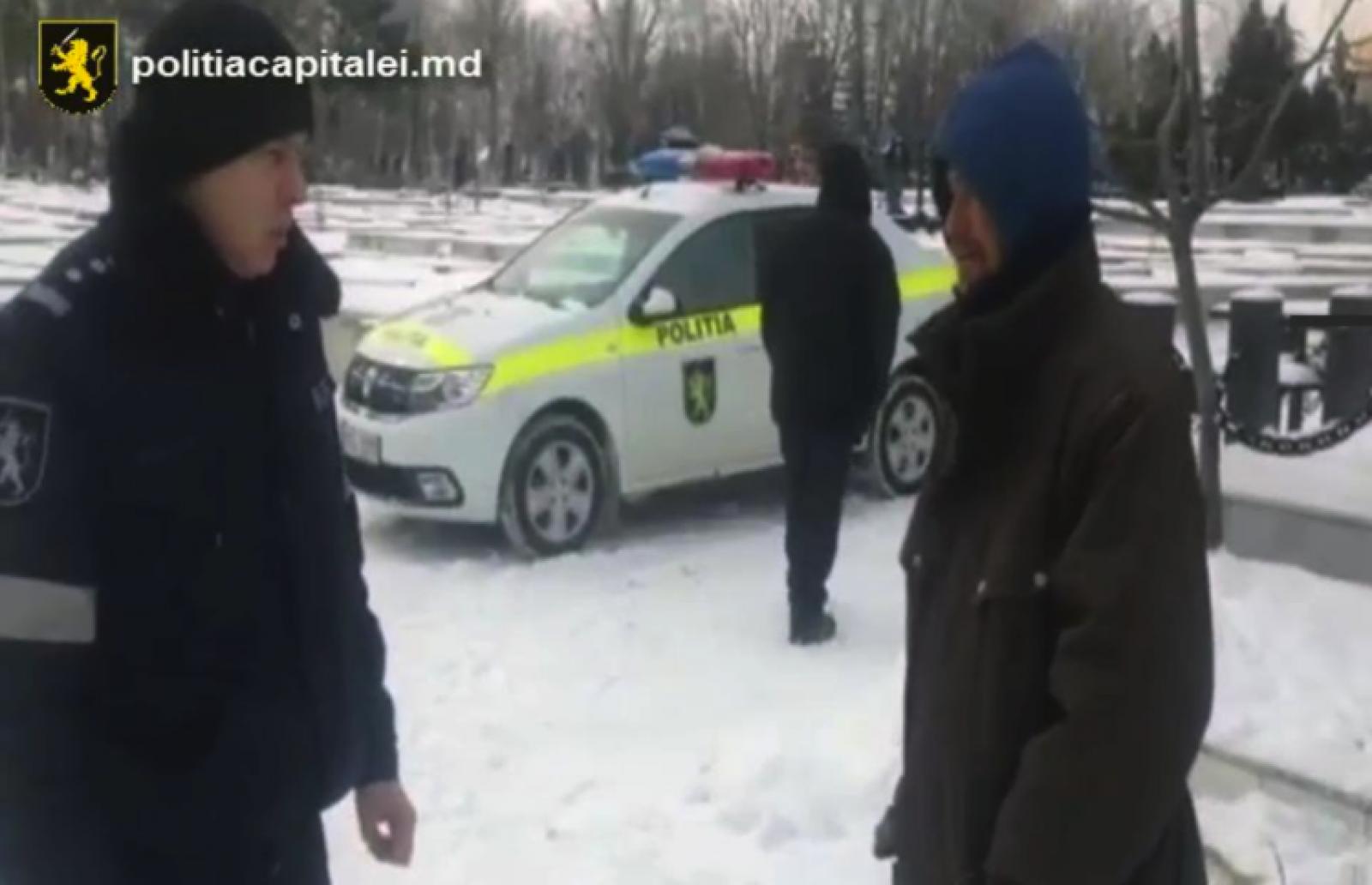 Poliția Capitalei s-a activat în regim sporit pentru a ajuta persoanele fără adăpost în condițiile extreme de afară