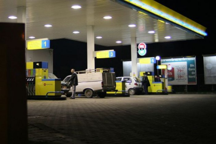 Poza zilei. Efectul scumpirii carburanților: Așa arată la această oră o benzinărie