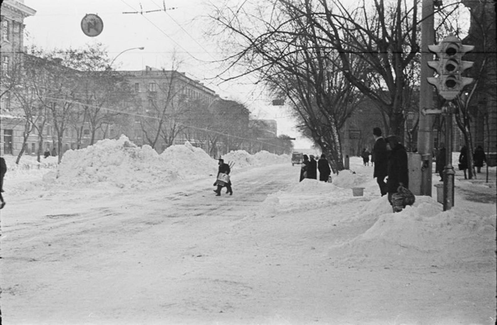 Imaginea zilei: Iarna în Chișinău exact cu 52 de ani în urmă, pe 10 ianuarie 1966. Un val de aer polar va acoperi Moldova