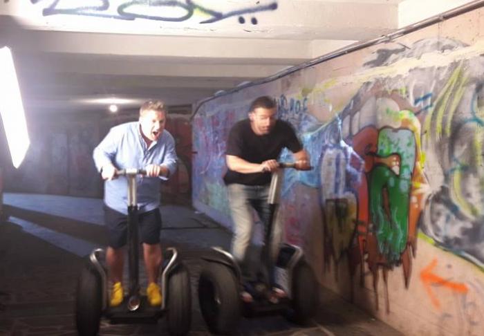 Poza zilei: Smiley și Pavel Bartoș într-o subterană din Chișinău. Cum au fost surprinși