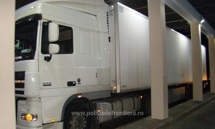 Presa română: Coadă de aproximativ 150 de TIR-uri la Vama Albița, pe sensul de ieșire spre Republica Moldova