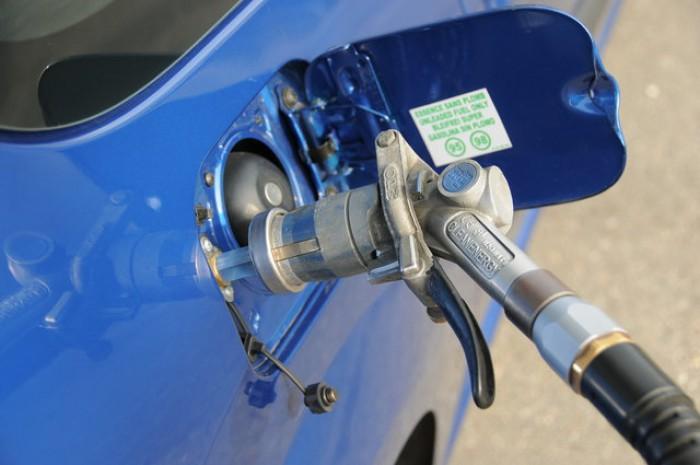 Scumpire în lanț. Preţul gazului lichefiat a crescut odată cu noile tarife stabilite de ANRE pentru carburanţi