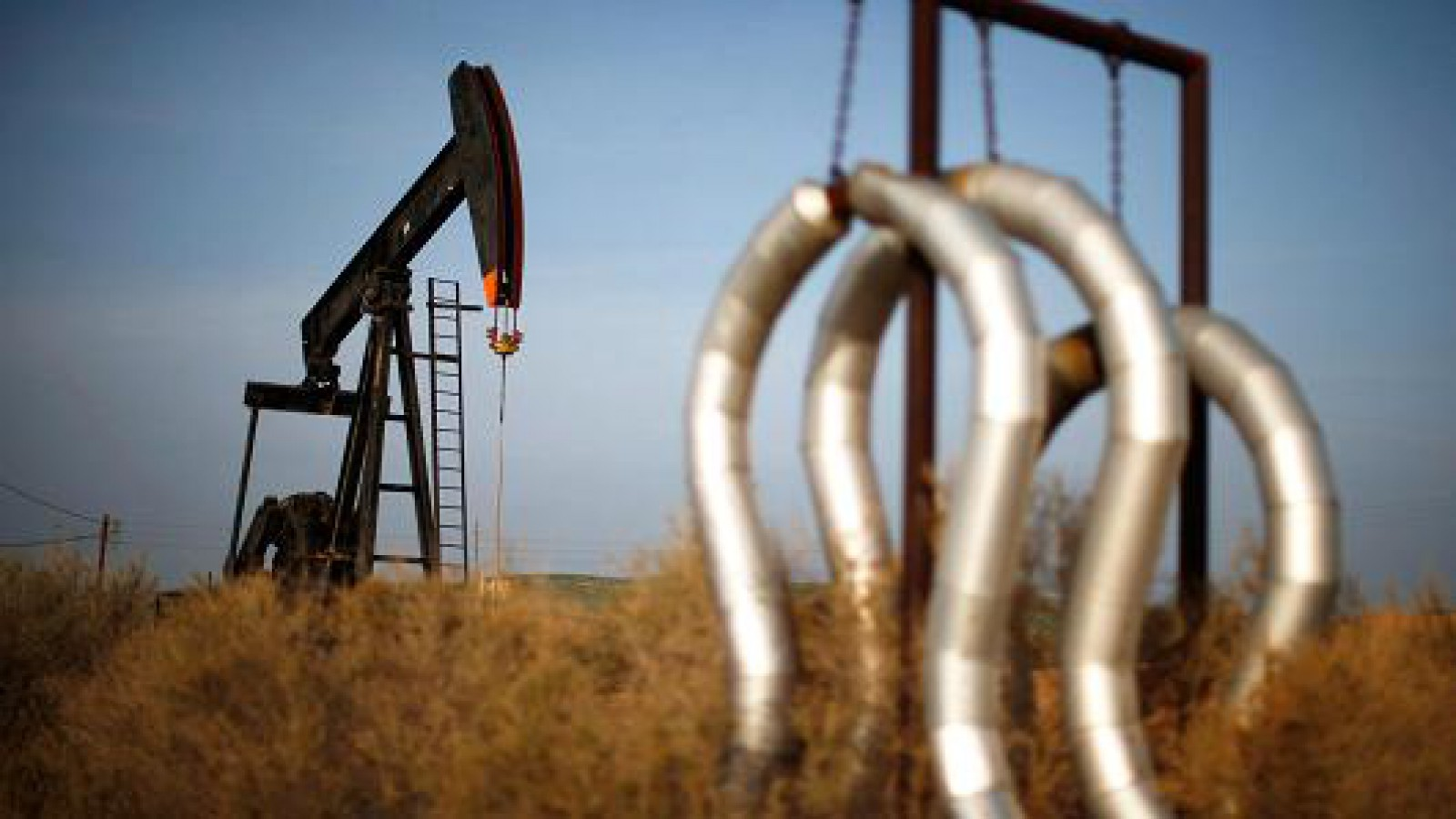 Prețul petrolului a trecut de 80 de dolari pe baril, pentru prima dată din 2014
