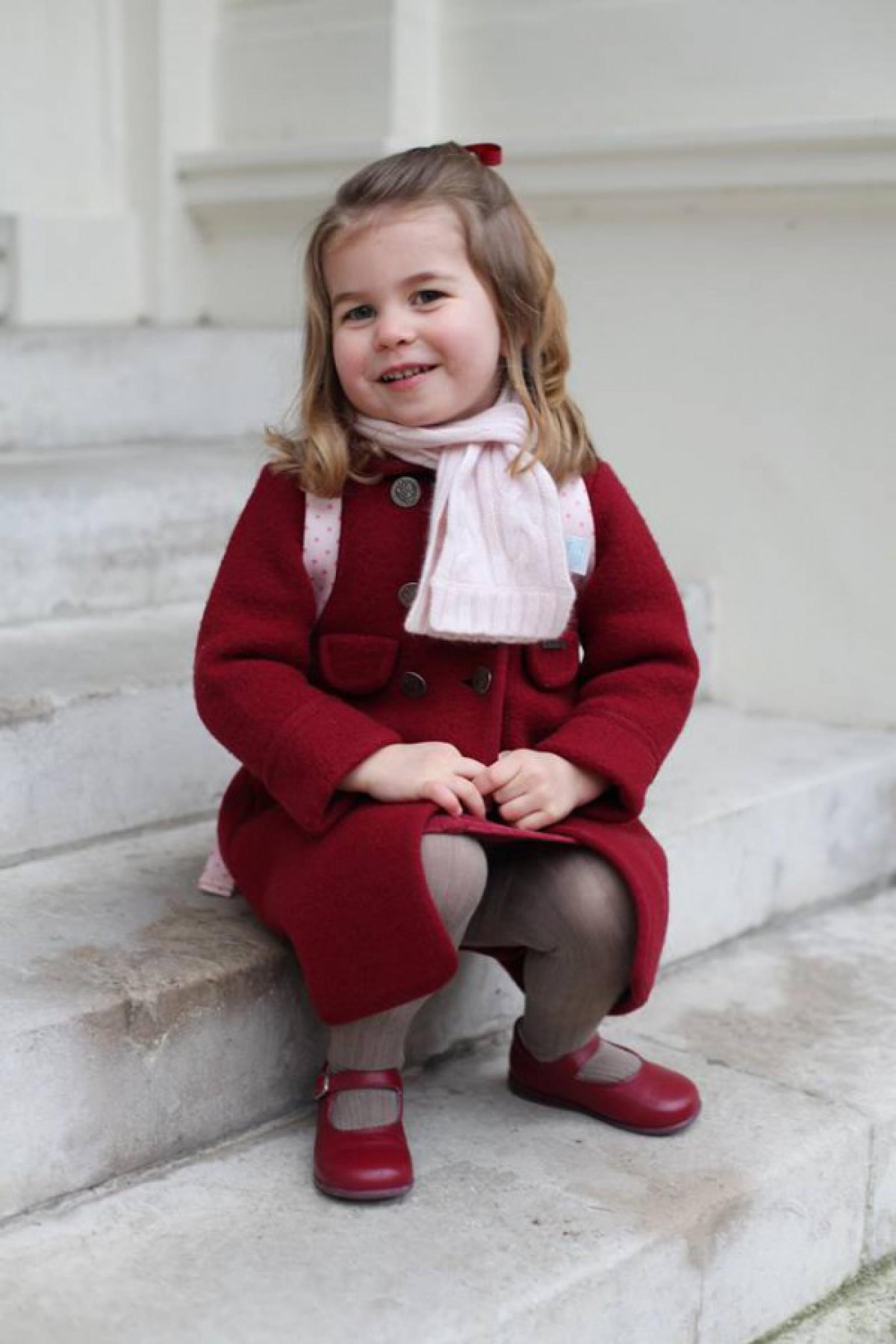 Prințesa Charlotte cunoaște deja o limbă străină, iar profesoara îi este chiar bona