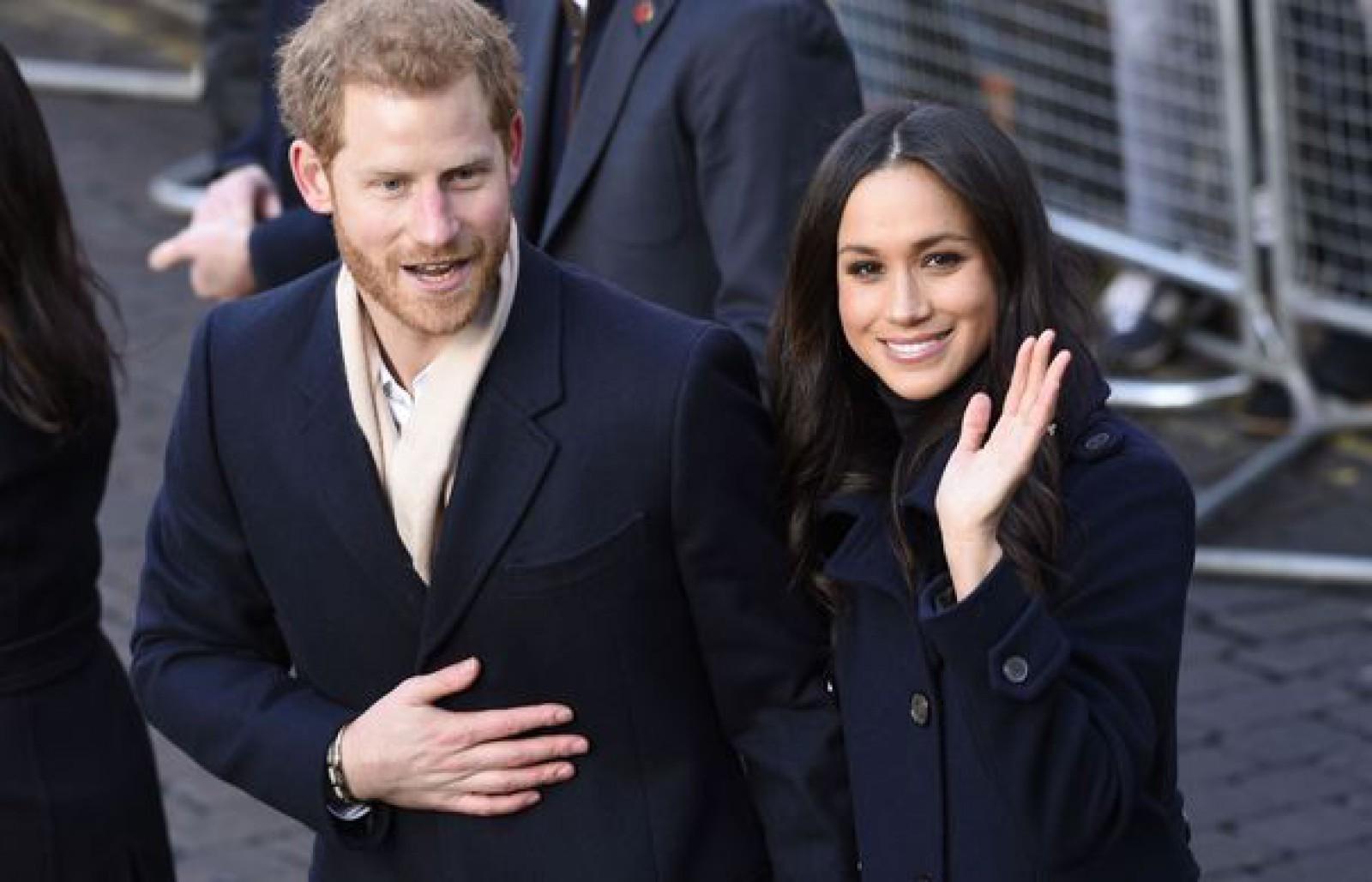 Prinţul Harry şi logodnica sa, Meghan Markle, au vorbit despre egalitatea de gen, într-o vizită la un post de radio