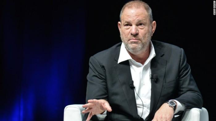 Producătorul Harvey Weinstein, concediat în urma scandalului acuzațiilor de hărțuire sexuală