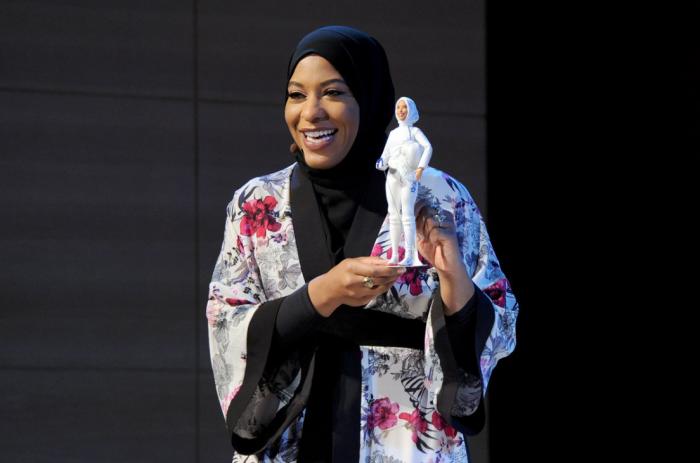 Producătorul păpușei Barbie a lansat pentru prima dată păpușa care poartă hijab, voalul femeilor musulmane