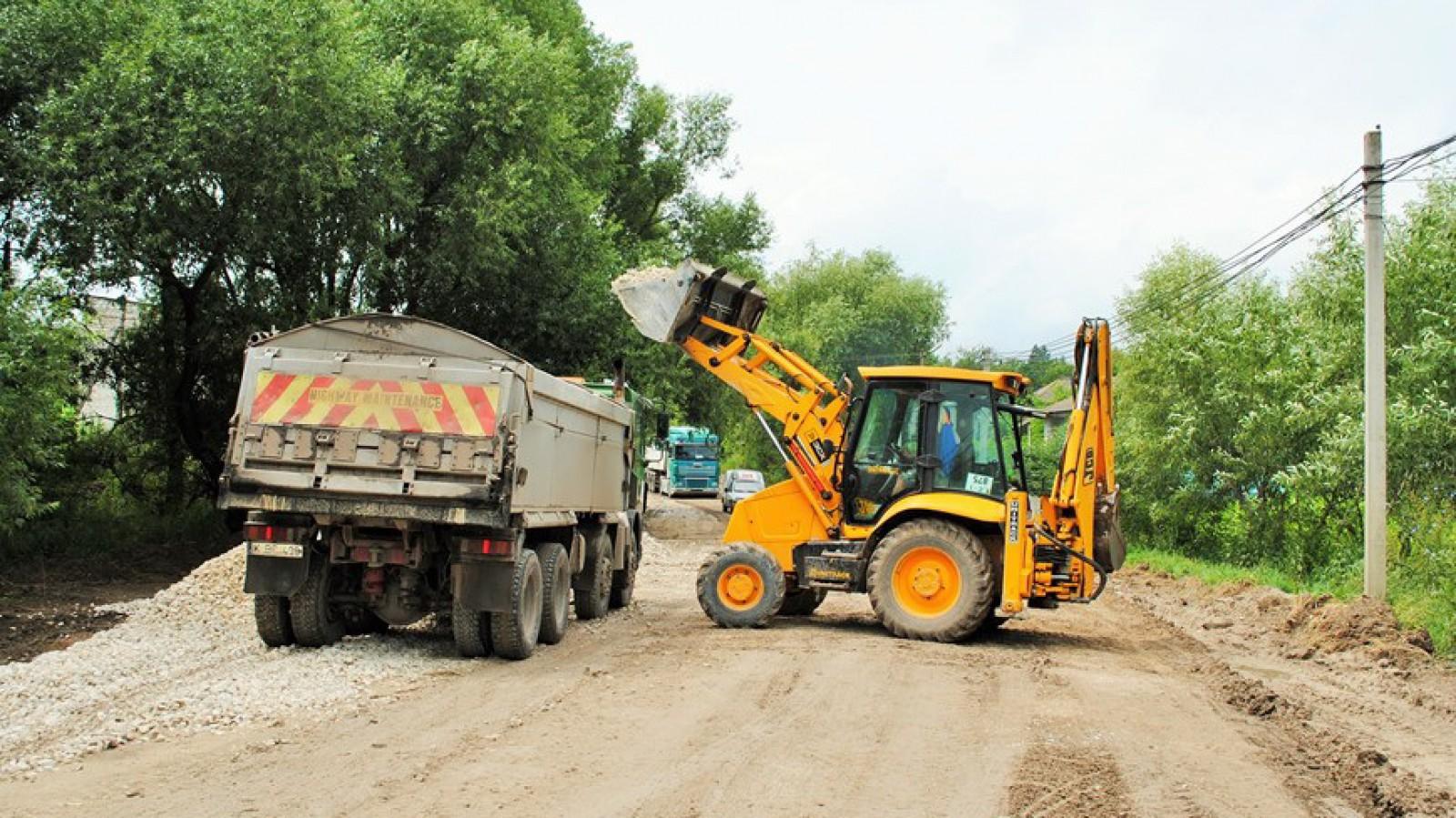 """Programul """"Drumuri bune pentru Moldova"""": Cinci porţiuni de drum au fost deja finalizate"""