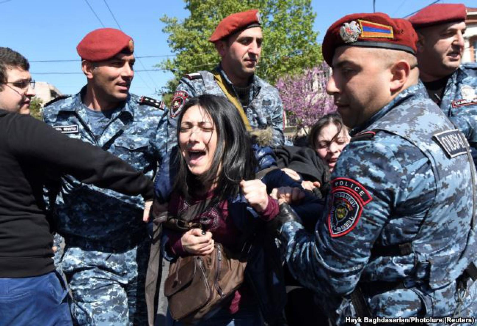 (video) Proteste în Armenia față de fostul președinte: Sunt 46 de răniţi