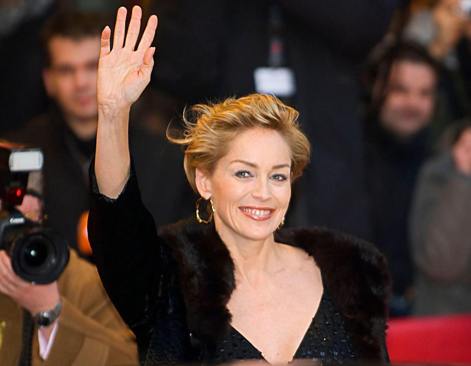 """Reacţia actriţei Sharon Stone, întrebată dacă a fost hărţuită sexual: """"Am văzut de toate"""""""