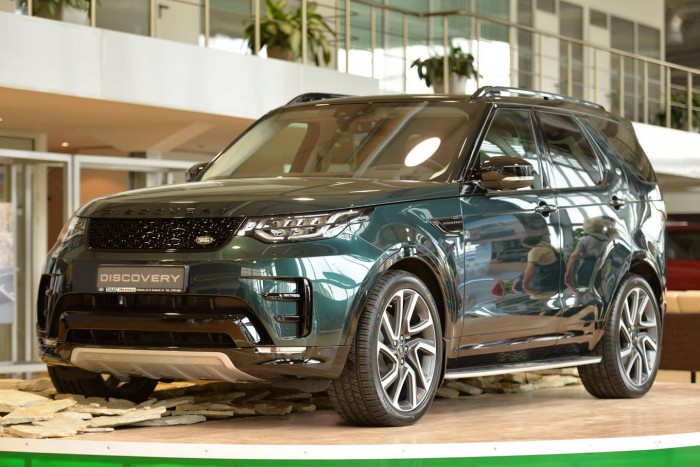 Reportaj video: Cum a fost prezentat noul Land Rover Discovery 5 în Moldova