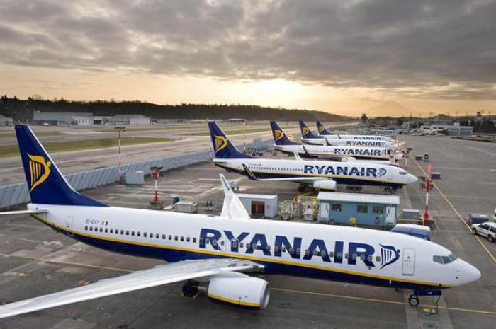 Ryanair a anunţat că va anula 50 de zboruri pe zi