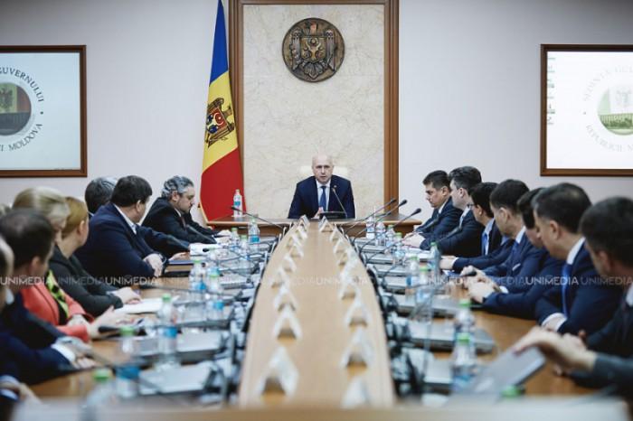 Sedință de urgență, cu participarea premierului Pavel Filip. Comisia pentru situaţii excepţionale se întrunește pentru a discuta despre intemperie