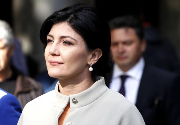Silvia Radu nu a primit nici votul a 1/3 din cei care s-au semnat pe listele sale de subscripție