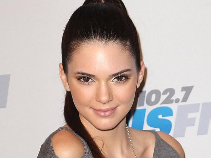 Sora mai mică a lui Kim Kardashian, Kendall Jenner, a fost și ea victima unui furt
