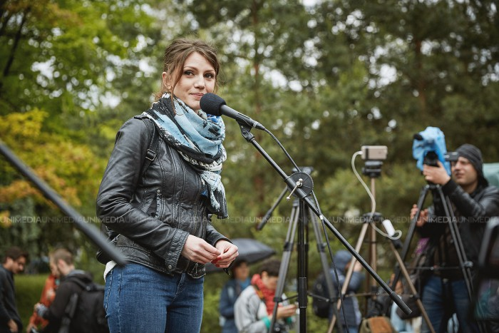 (stop cadru) Răvașul Tanei Crețu dedicat lui Vlad Plahotniuc: Om ești tu, la fel ca mine și ai inimă în tine