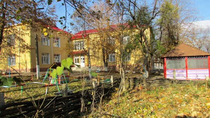 (Stop fals) Igor Dodon nu a donat niciun ban pentru grădinița din localitatea sa de baștină. Primarul satului a prezentat documentele care confirmă acest fapt