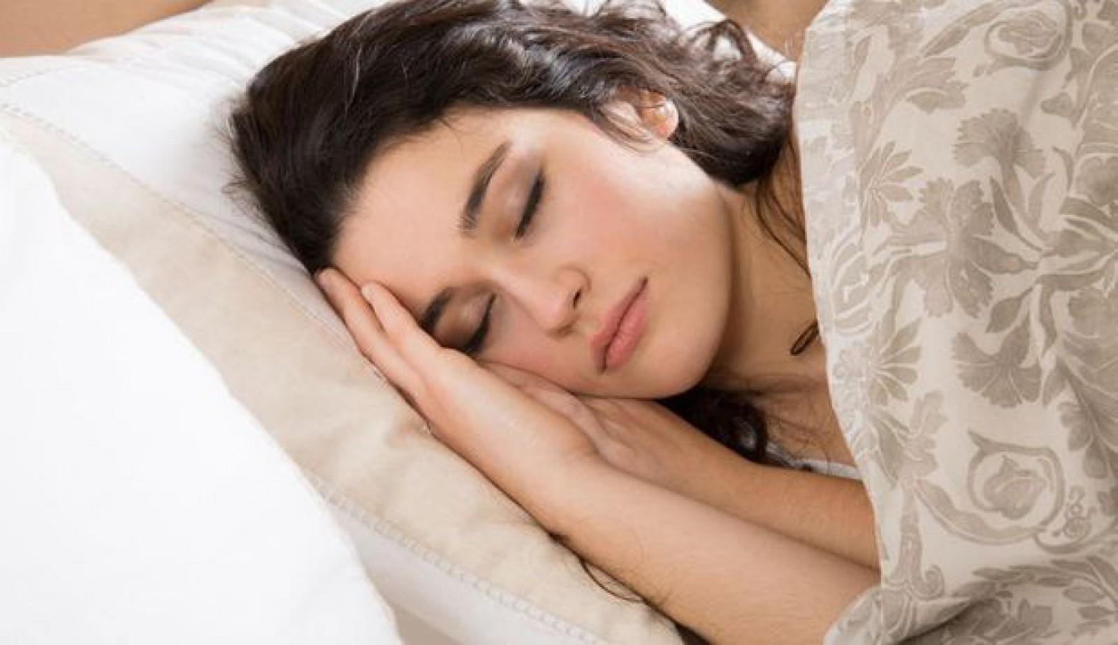 Studiu: Somnul de după-amiază este mai benefic decât cafeaua