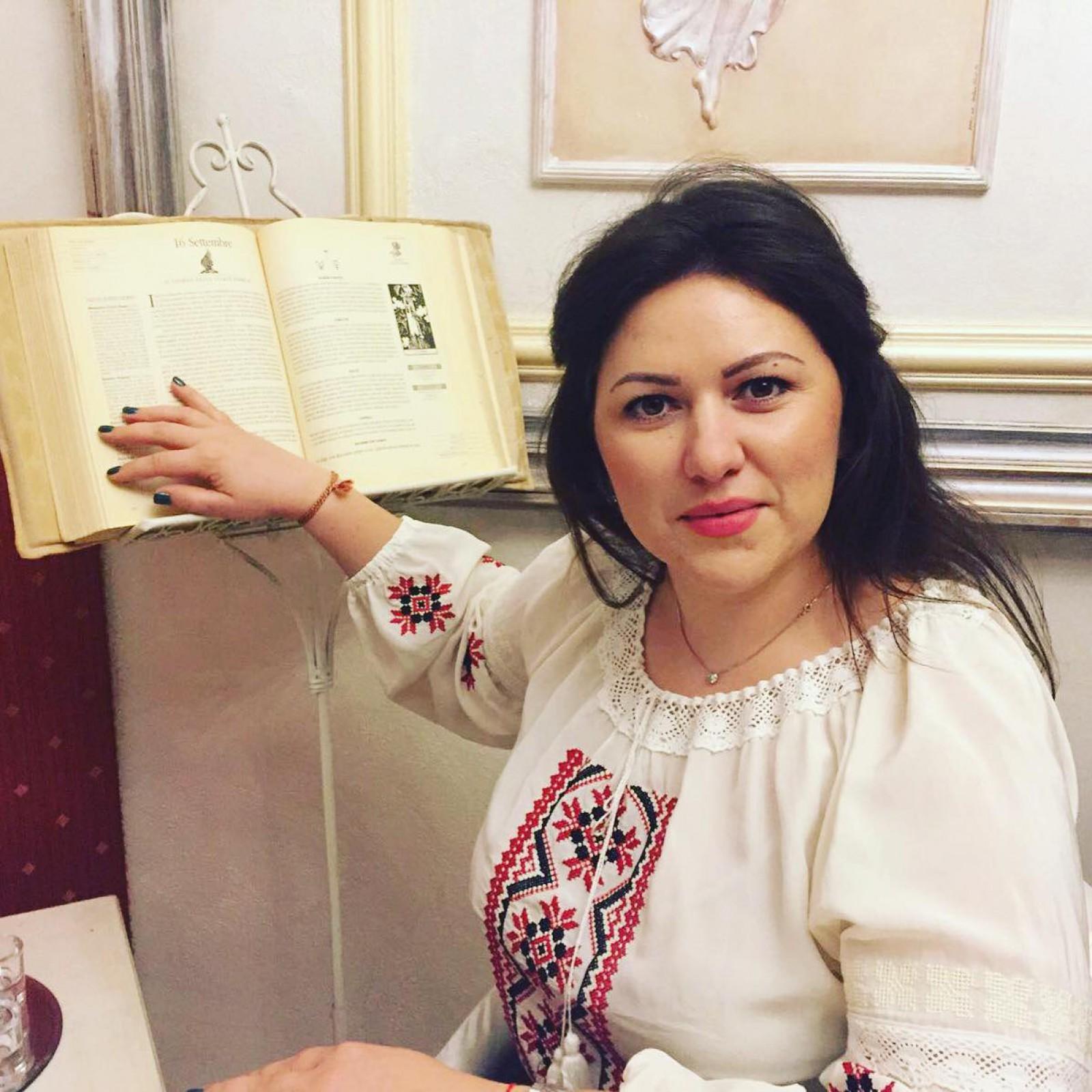 Tânăra din Moldova care a deschis o Galerie de artizanat moldovenesc în Italia