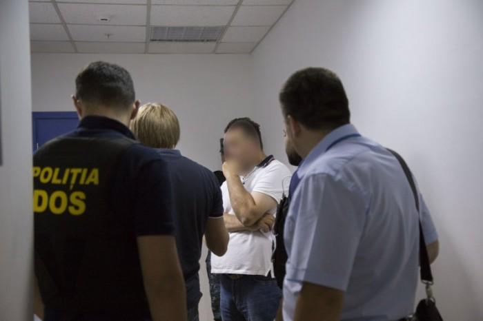 Trei cetățeni străini, extrădați în Moldova: Un italian, condamnat pentru trafic de copii și pornografie infantilă