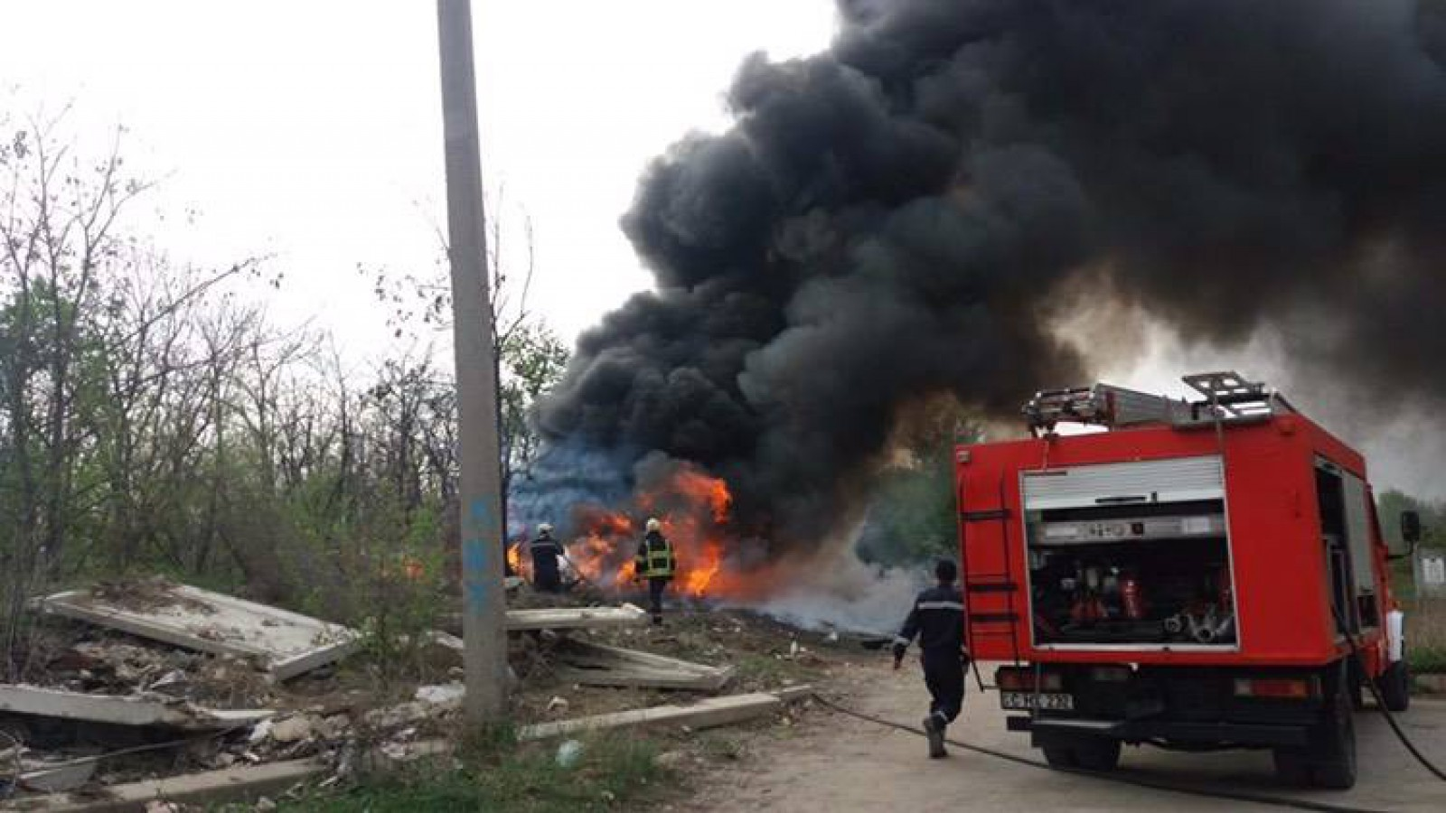 Ultima oră: Incendiu în imediata apropiere de cimitirul Sfântul Lazăr