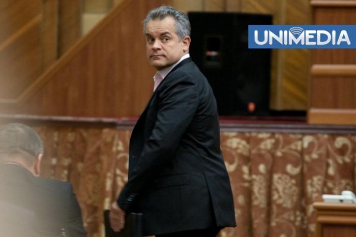 Plahotniuc, dat jos din prezidiul Parlamentului cu votul PLDM și PCRM