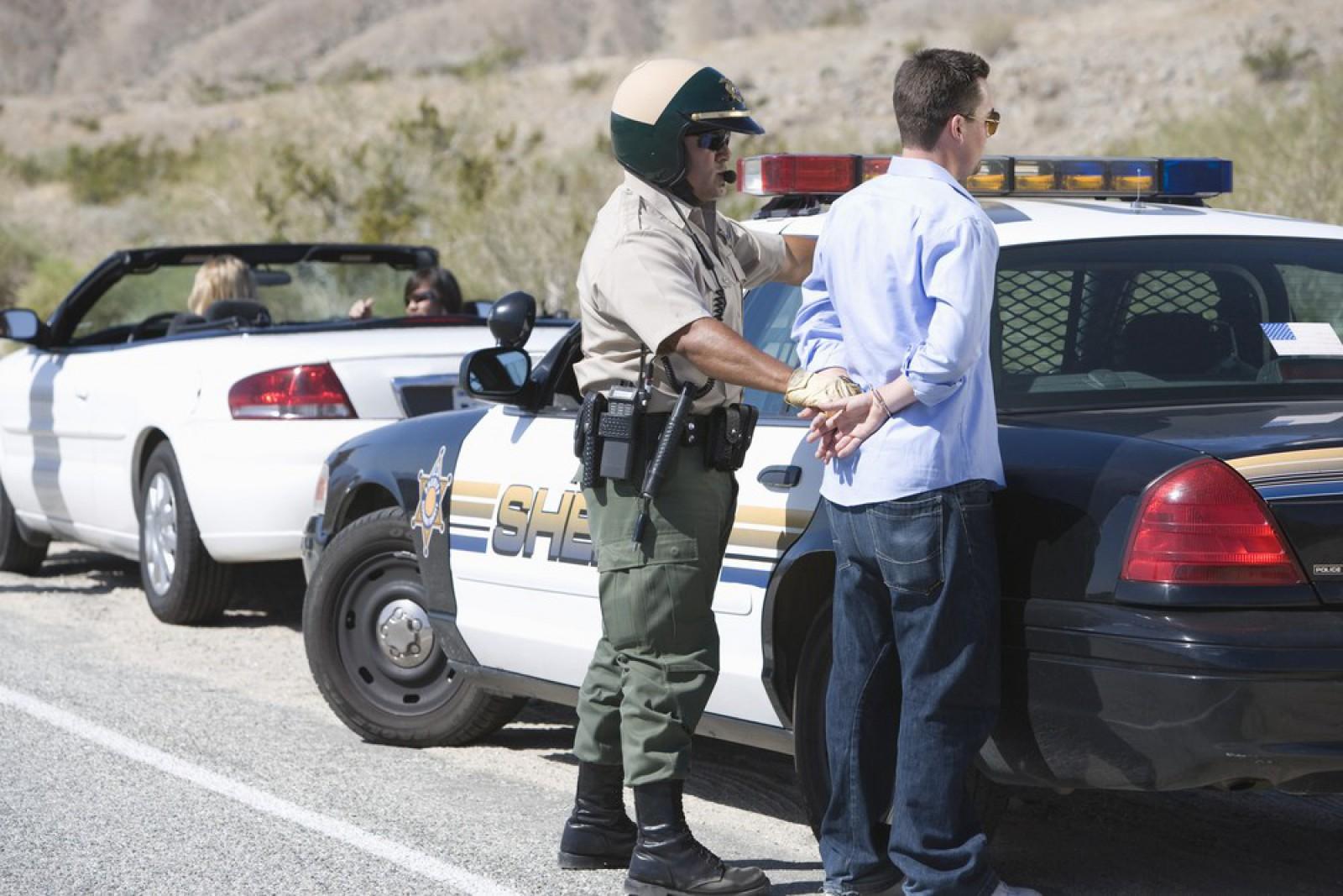 Un american a fost prins că şofa fără permis. Poliţiştii au rămas uimiţi când au aflat cum îl cheamă