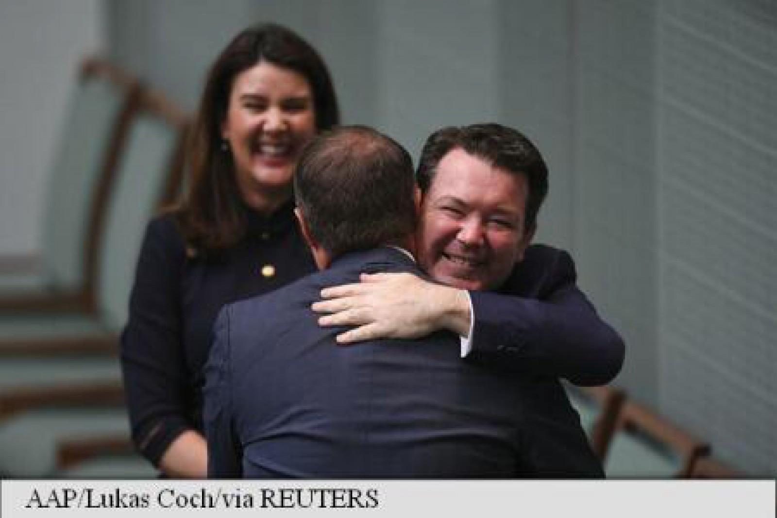 Un deputat australian și-a cerut iubitul în căsătorie: Care a fost răspunsul acestuia