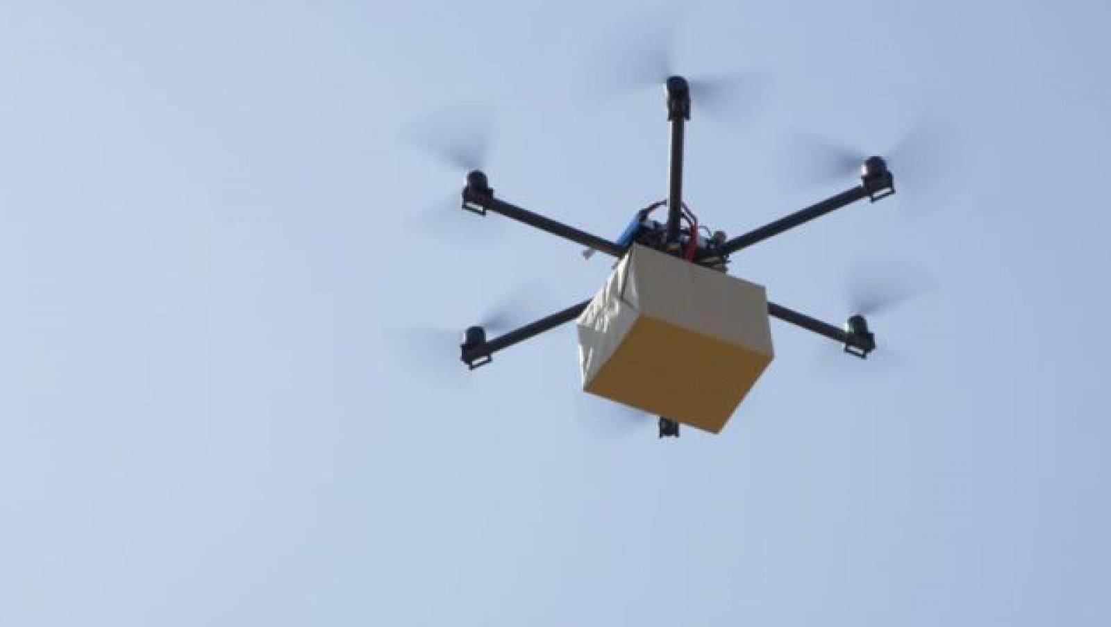 Un grup de contrabandişti a folosit drone pentru a trece graniţa smartphone-uri iPhone în valoare de 80 de milioane de dolari