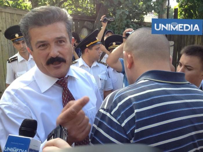 """(video, foto) LIVE TEXT: """"Stataliștii"""" încearcă să zădărnicească Marșul Unirii"""