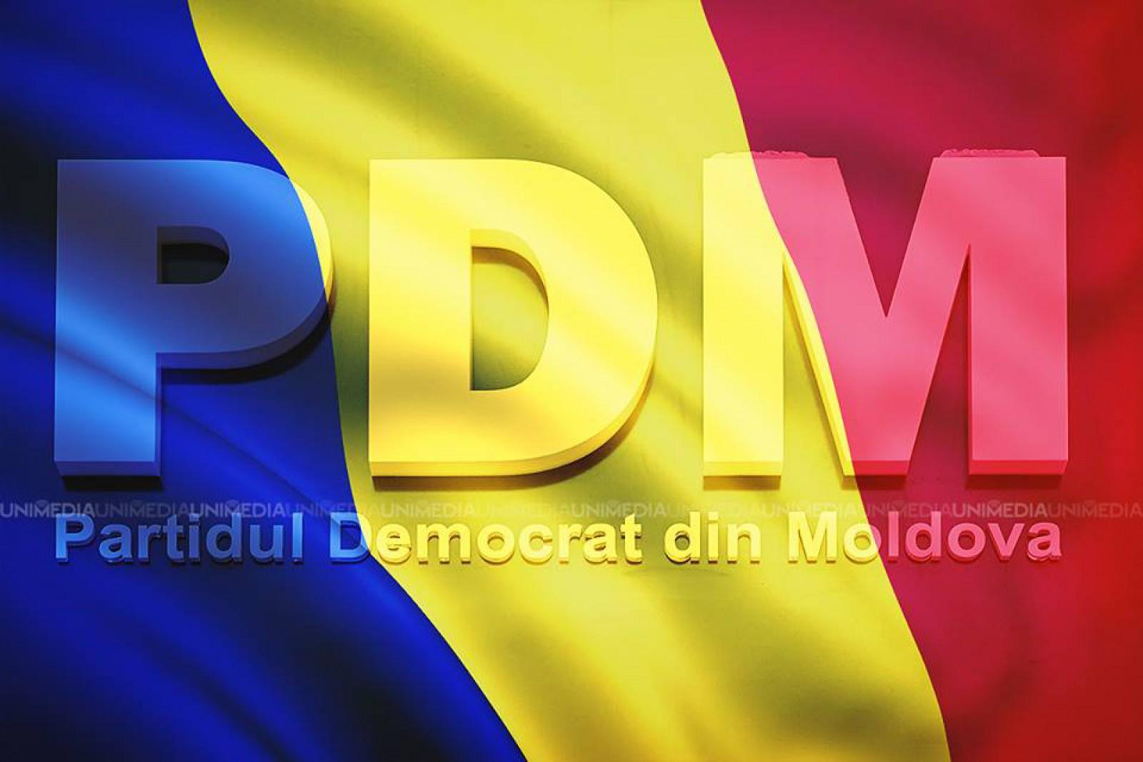"""(video) În timp ce trei primari de la PDM au semnat Declarația simbolică de Unire cu România, Gamurari: """"Pot apărea declarații de unire și cu alte state"""""""