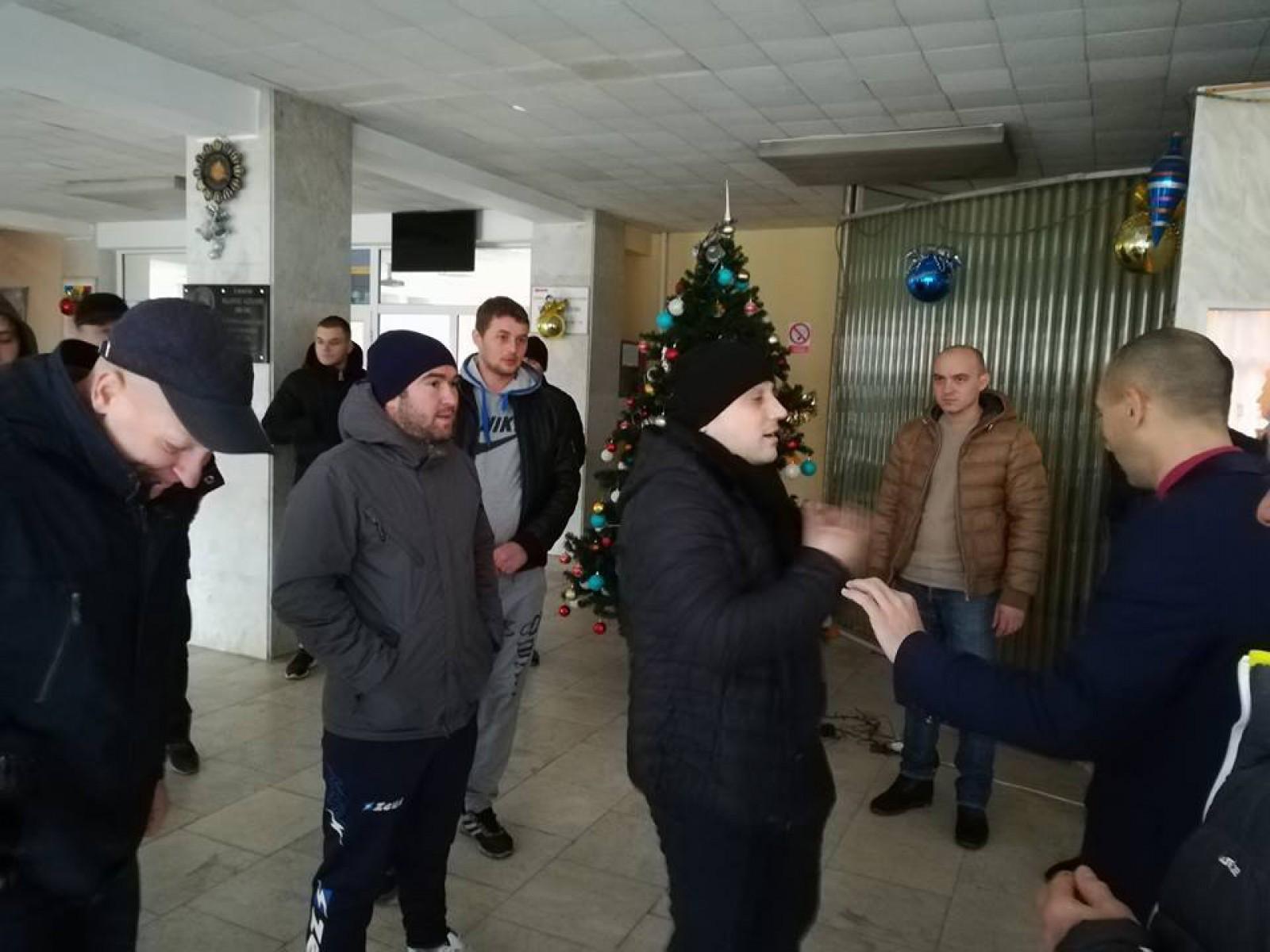 (video) Ședință aniversară a partidului DA la Ungheni, vizitată de un grup de persoane în frunte cu reprezentantul Guvernului în teritoriu