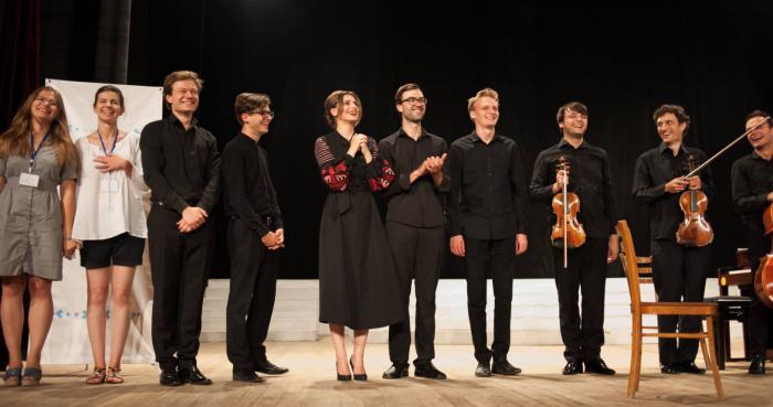 """(video) A fost lansat scurtmetrajul Festivalului """"Bach la Casa de Cultură"""": Concertele din culise, emoțiile artiștilor și starea Caselor de Cultură din Moldova"""